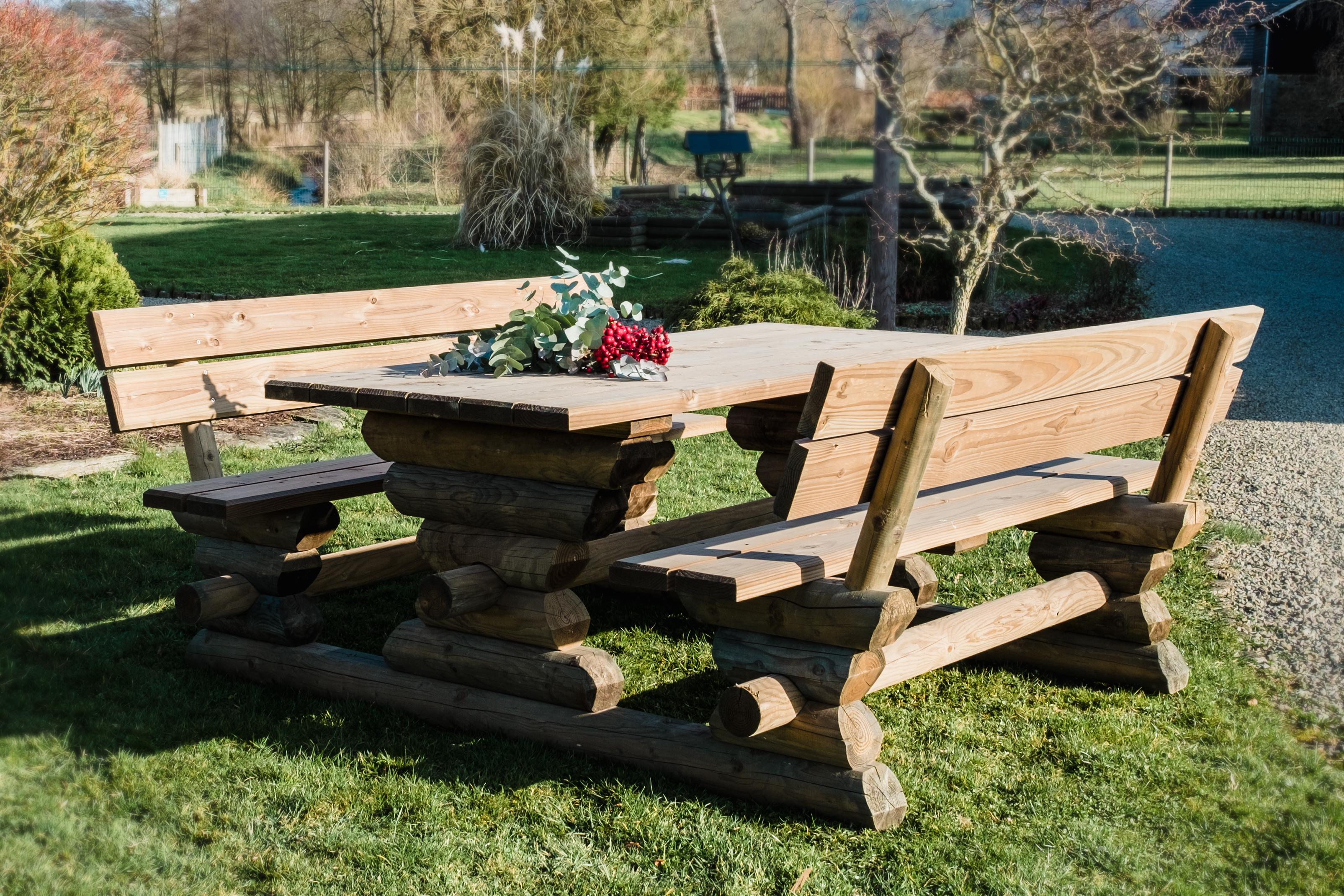 Holz gartenmöbel und Gartengestaltung